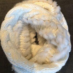 Beautiful figure 8 scarf